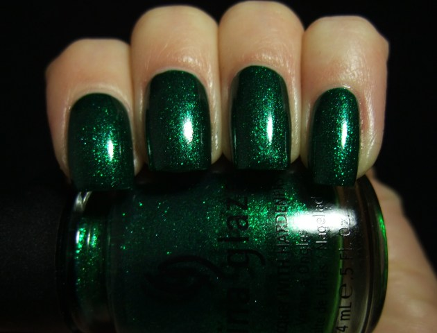 China Glaze - Emerald Sparkle 01