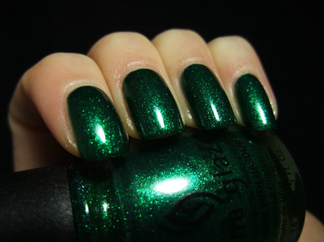 China Glaze - Emerald Sparkle 02