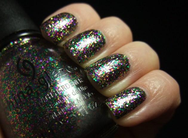 China Glaze - Glitter All The Way 09