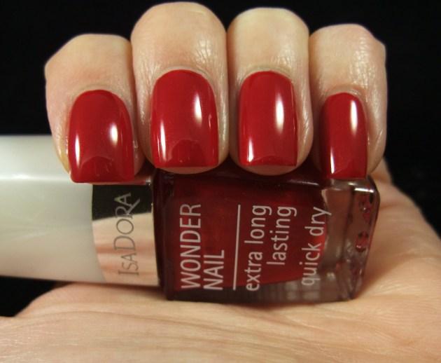 IsaDora - Winter Red 01