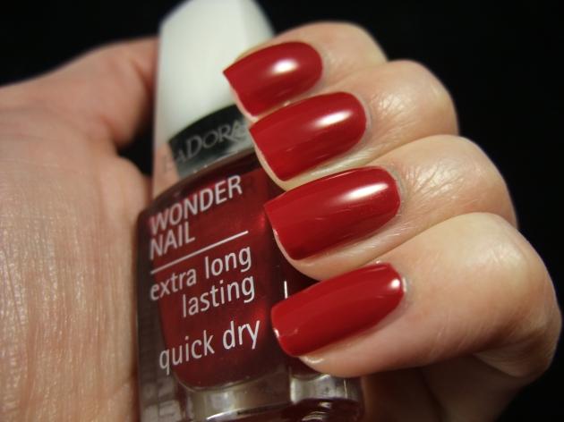 IsaDora - Winter Red 03