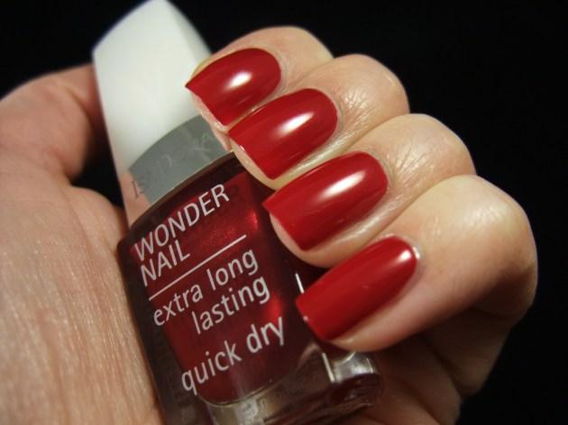 IsaDora - Winter Red 04