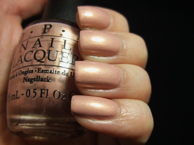 OPI - A Butterfly Moment 01