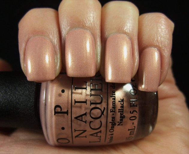 OPI - A Butterfly Moment 05