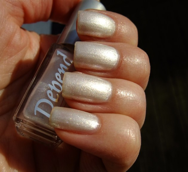 Depend - 2049 Fairy White 07