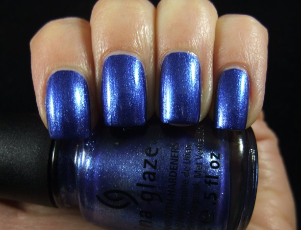 China Glaze - Blue Bells Ring 01