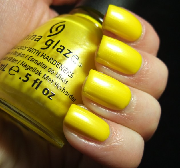 China Glaze - Sunshine Pop 02