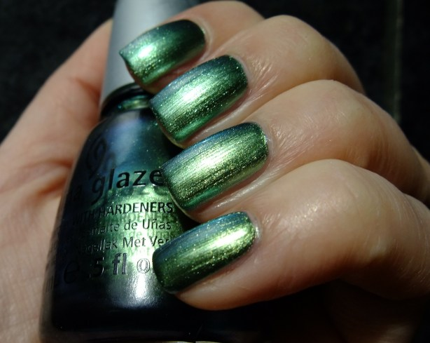 China Glaze - Unpredictable 03