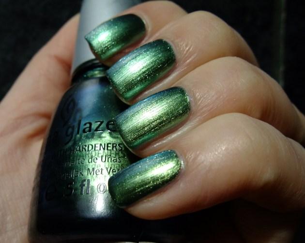 China Glaze - Unpredictable 03