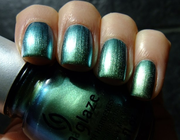 China Glaze - Unpredictable 04
