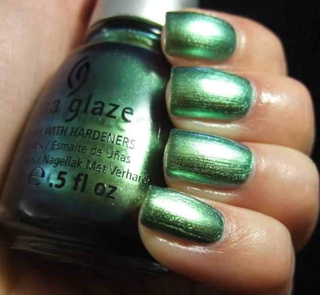 China Glaze - Unpredictable 05