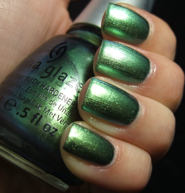 China Glaze - Unpredictable 06