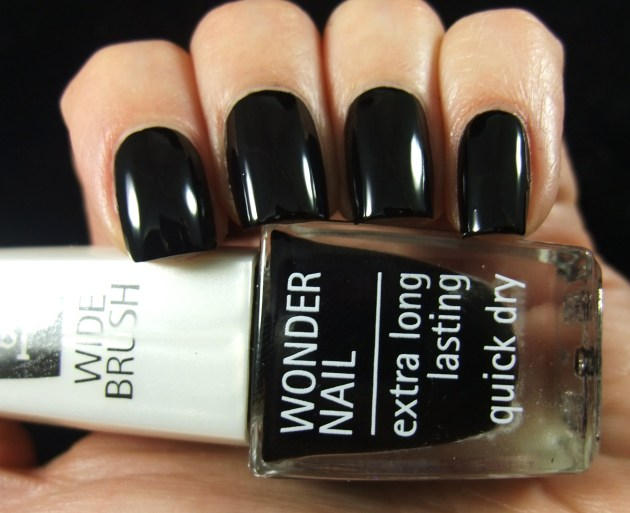 IsaDora - Gothic Black 02
