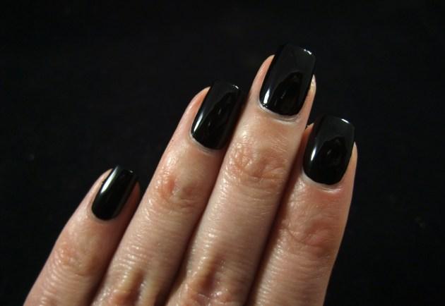 IsaDora - Gothic Black 04