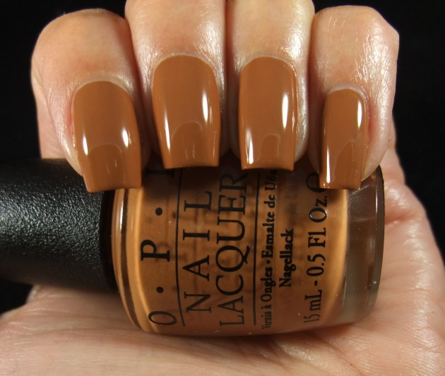 OPI - A-Pers To Be Tan 02