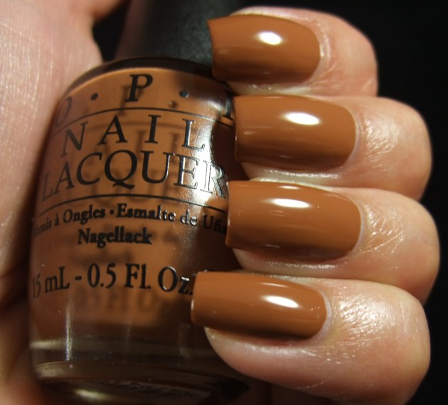 OPI - A-Pers To Be Tan 03