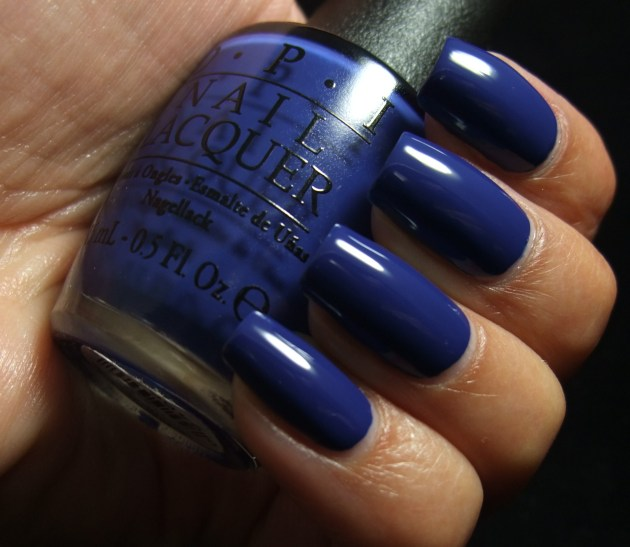 OPI - Keeping Suzi At Bay 05