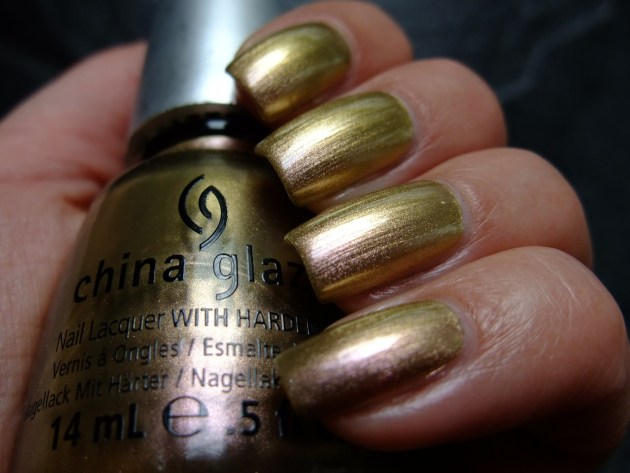 China Glaze - Swanky Silk 01