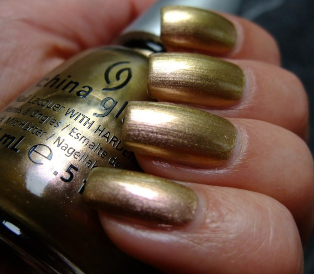 China Glaze - Swanky Silk 02