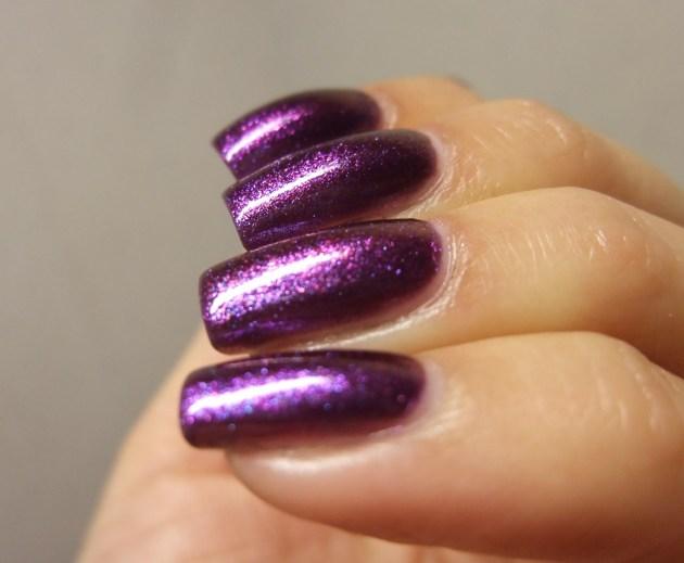 Glitter Gal - Wild Violets Brilliant 07