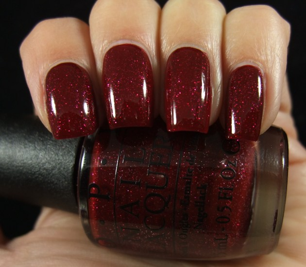 OPI - Underneath The Mistletoe 03