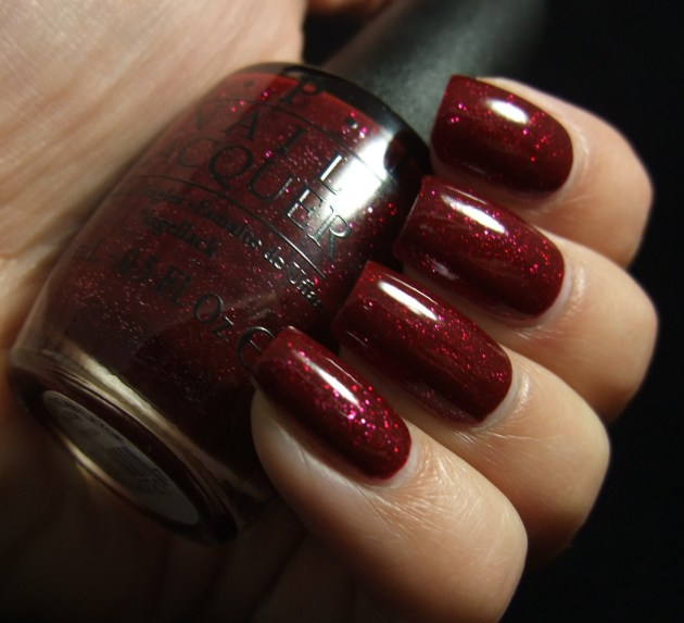 OPI - Underneath The Mistletoe 05