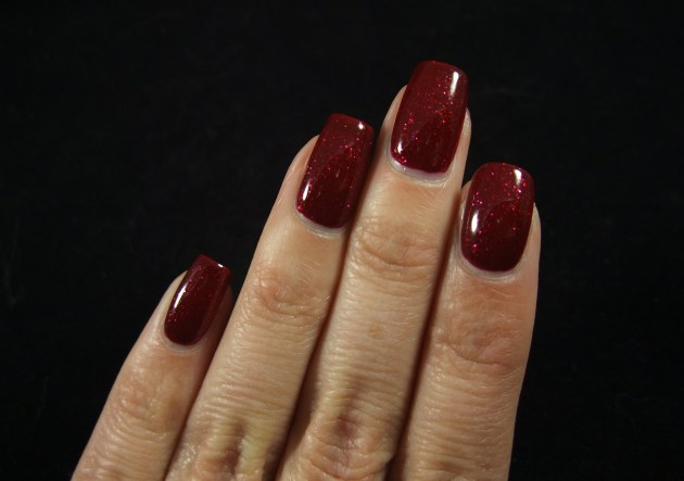 OPI - Underneath The Mistletoe 07