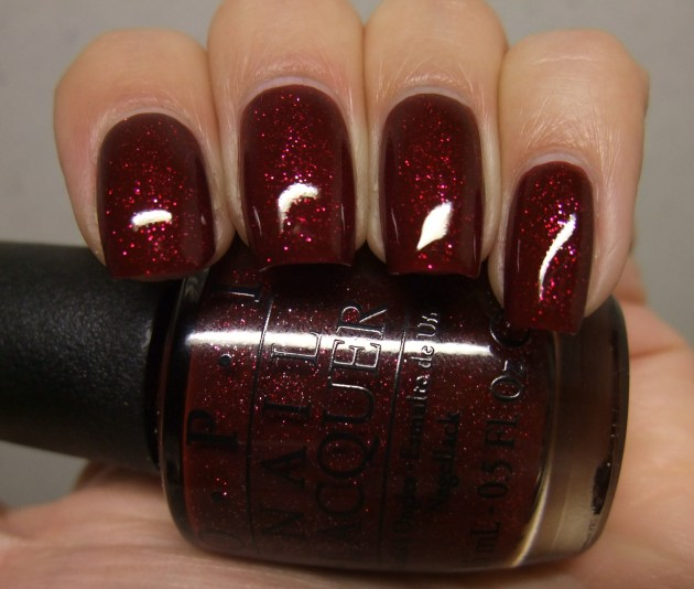 OPI - Underneath The Mistletoe 08