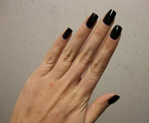 IsaDora - Black Lacquer 03