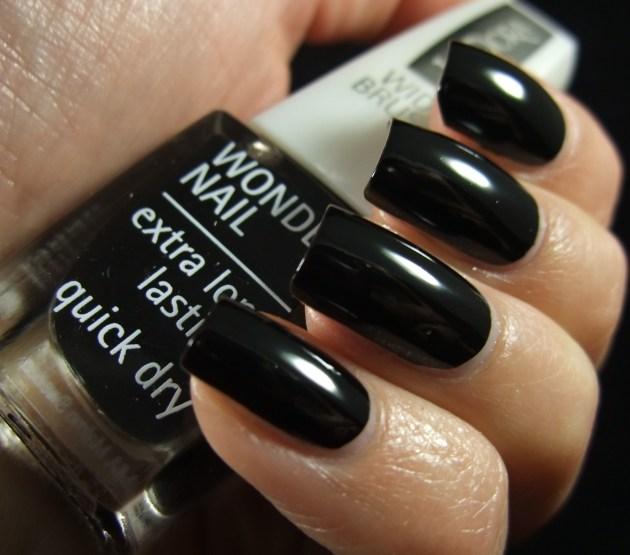 IsaDora - Black Lacquer 04