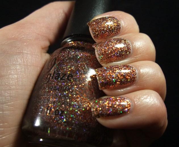 China Glaze - Glitter Goblin 06