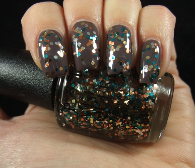 OPI - The Living Daylights 02