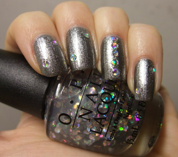 OPI - I Snow You Love Me 05