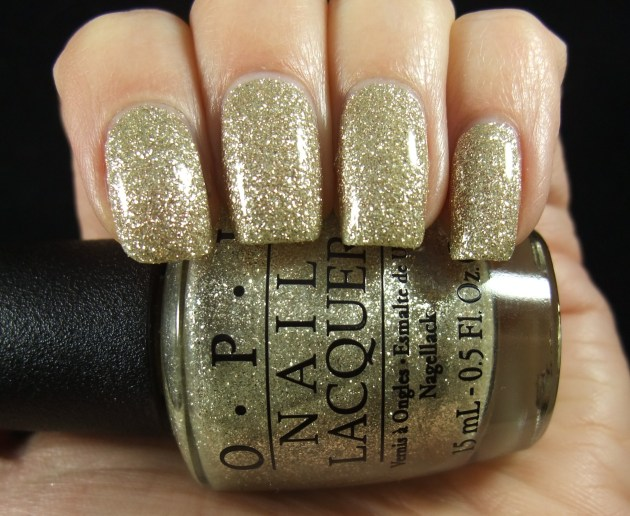 OPI - My Favorite Ornament 02
