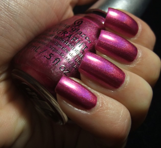 China Glaze - Infra Red 03