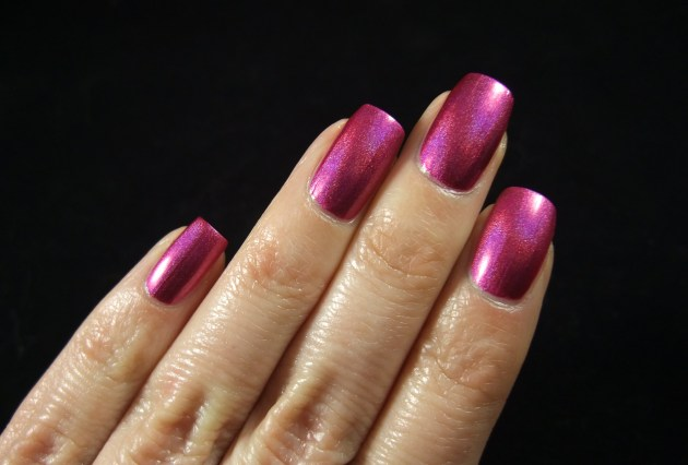 China Glaze - Infra Red 08