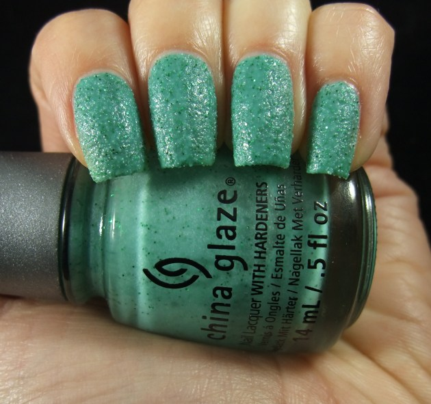 China Glaze - Teal The Tide Turns 02