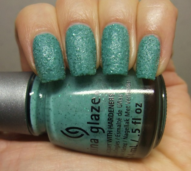 China Glaze - Teal The Tide Turns 04