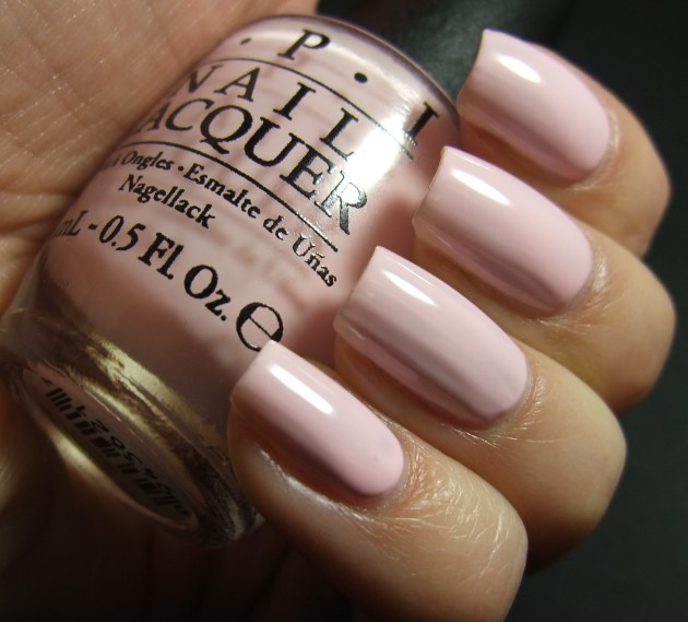 OPI - I Love Applause 03