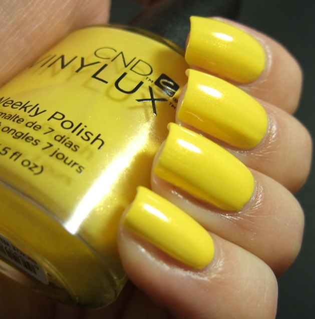 CND Vinylux - Bicycle Yellow 02