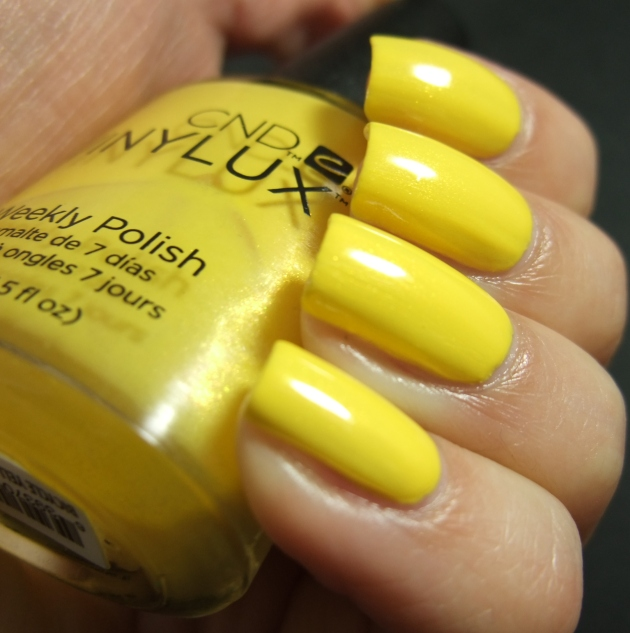 CND Vinylux - Bicycle Yellow 03