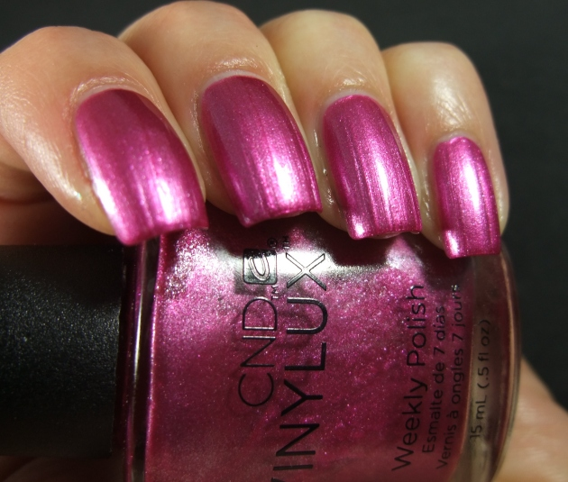 CND Vinylux - Sultry Sunset 03