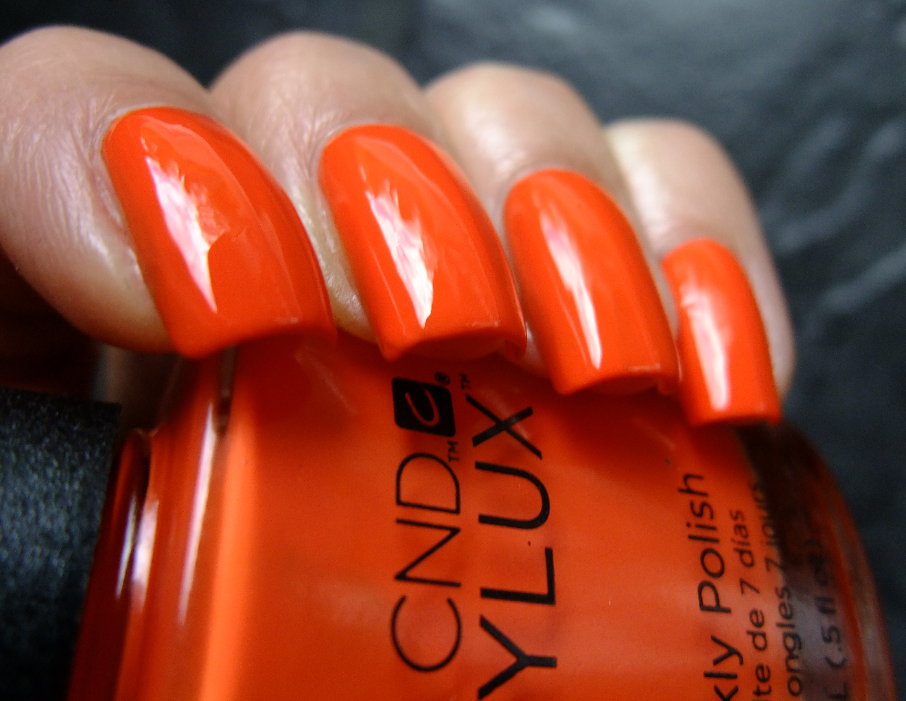 Cnd Vinylux Electric Orange Clawsincolors