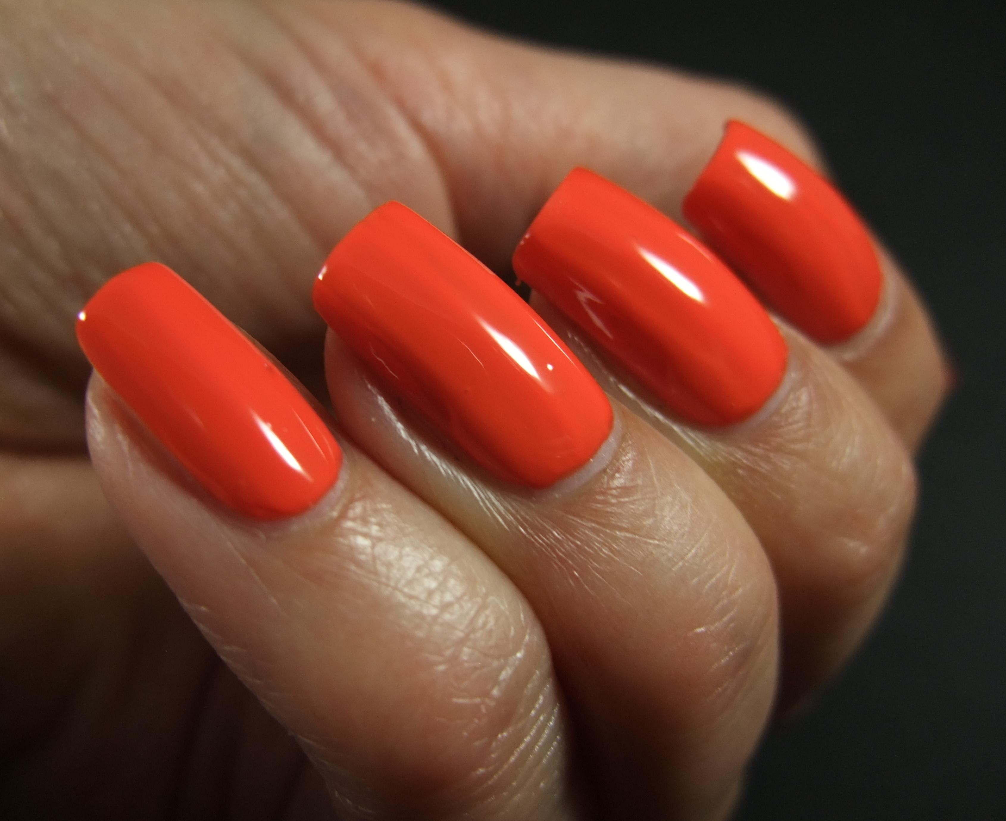 Cnd Vinylux Electric Orange Clawsincolors
