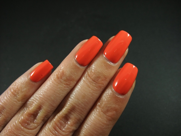 CND Vinylux - Electric Orange 07