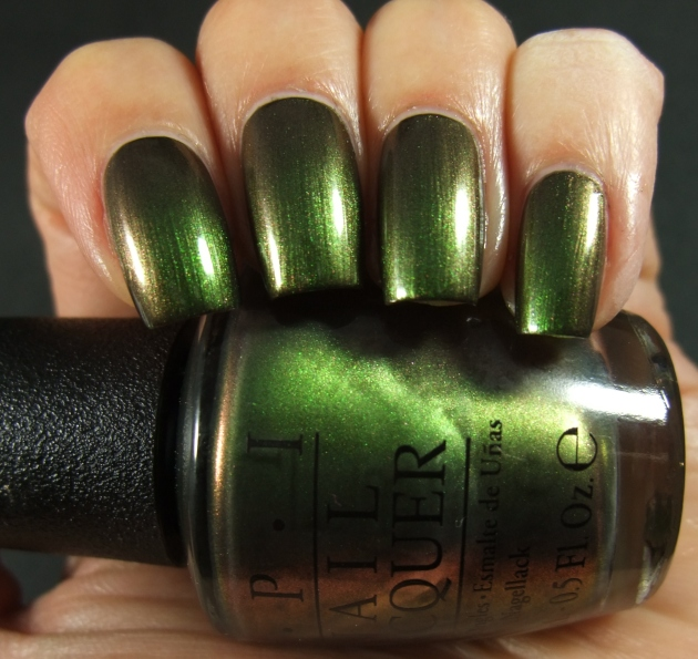 OPI - Green On The Runway 04