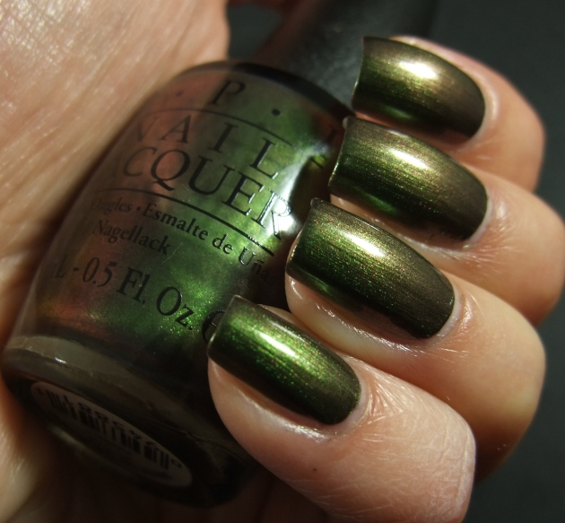 OPI - Green On The Runway 06