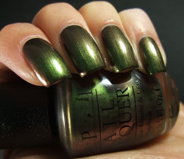 OPI - Green On The Runway 07
