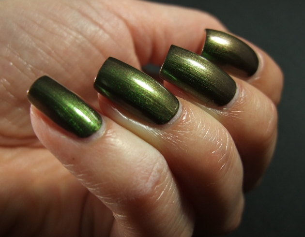 OPI - Green On The Runway 11