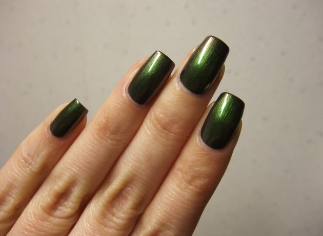 OPI - Green On The Runway 12